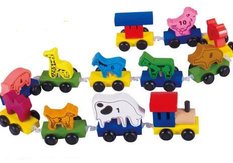 Деревянный паровозик со зверями 6409